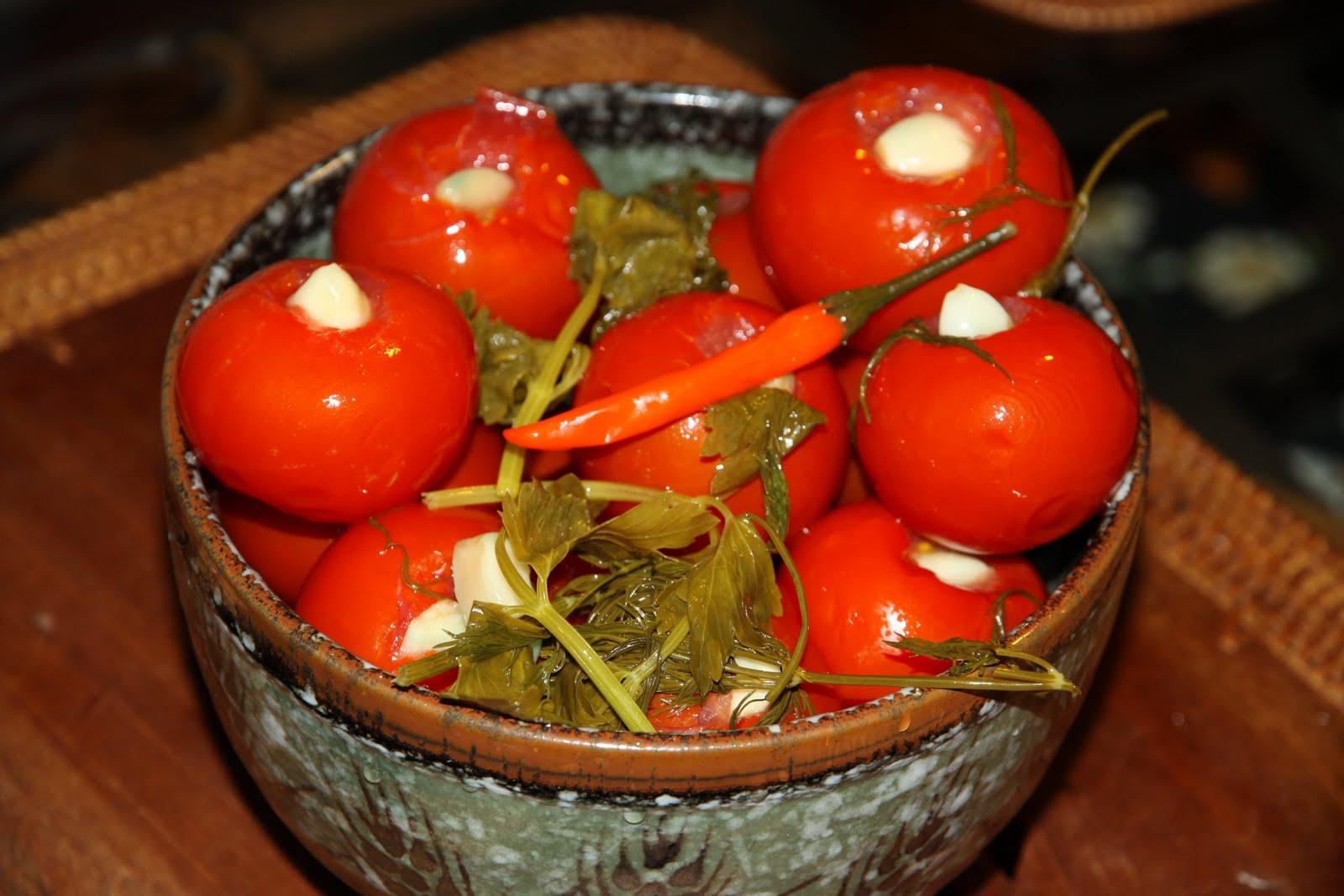 Рецепт помидоров с чесноком