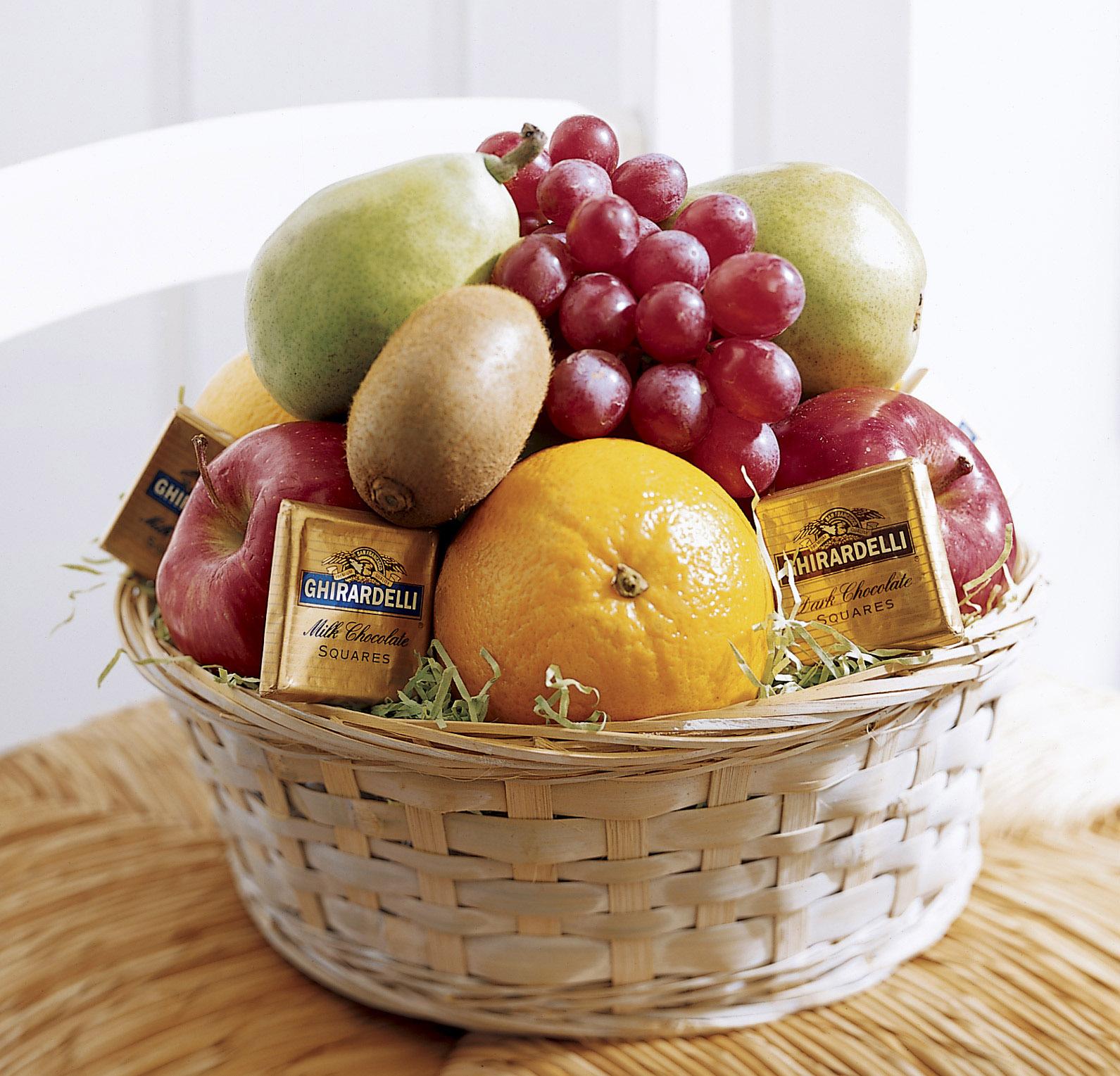 Как упаковать фрукты на подарок