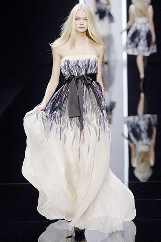 Гардероб наших леді в колекціях fashion дизайнерів - Страница 4 C7bfb30a446a43b6303bae51b90003c4
