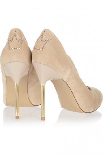 ... Net-a-Porter и в магазины Centro. Цена на туфли составит 60 фунтов 95a15b5028122